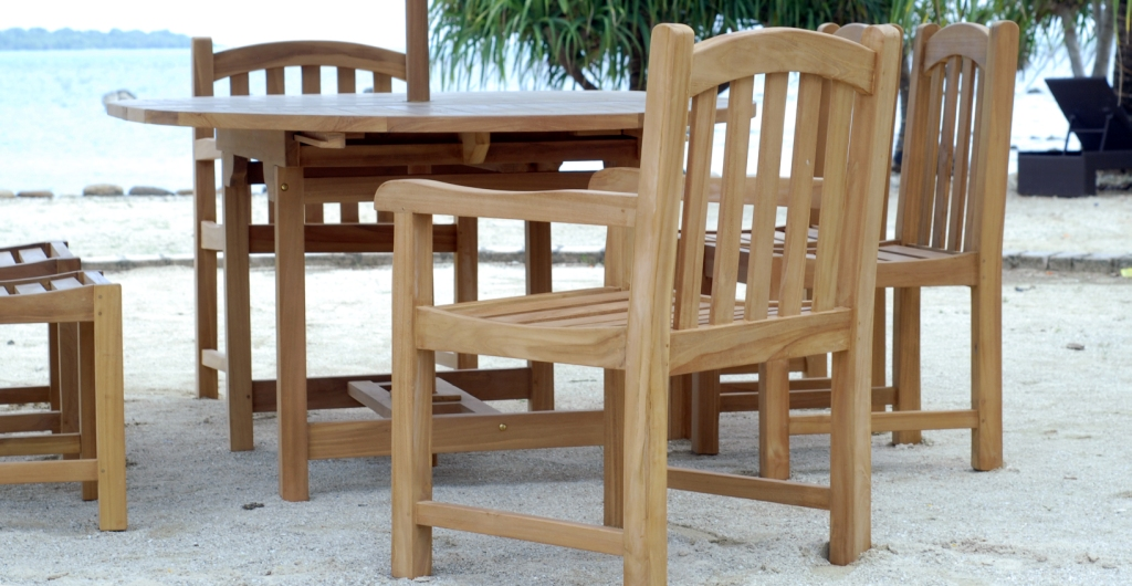 TEAK RAINBOW ARM CHAIR