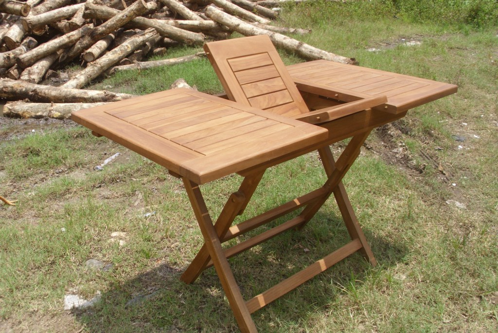Teak Las Vegas ext table 90 - 120 x 70 with stand up Leg